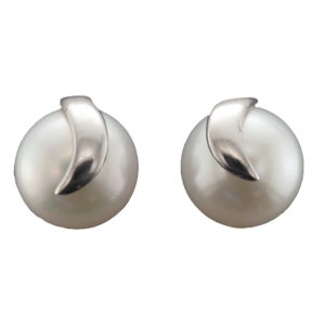 9CTW Freshwater Pearl Earring